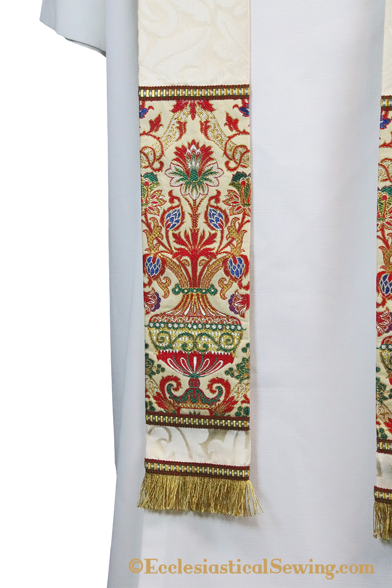 products/cope-vestment-john-damascus-5.png