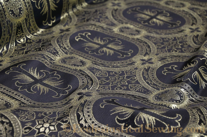 products/white-brocade-fabric-oval-17.jpg
