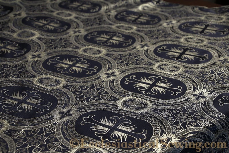 products/white-brocade-fabric-oval-19.jpg