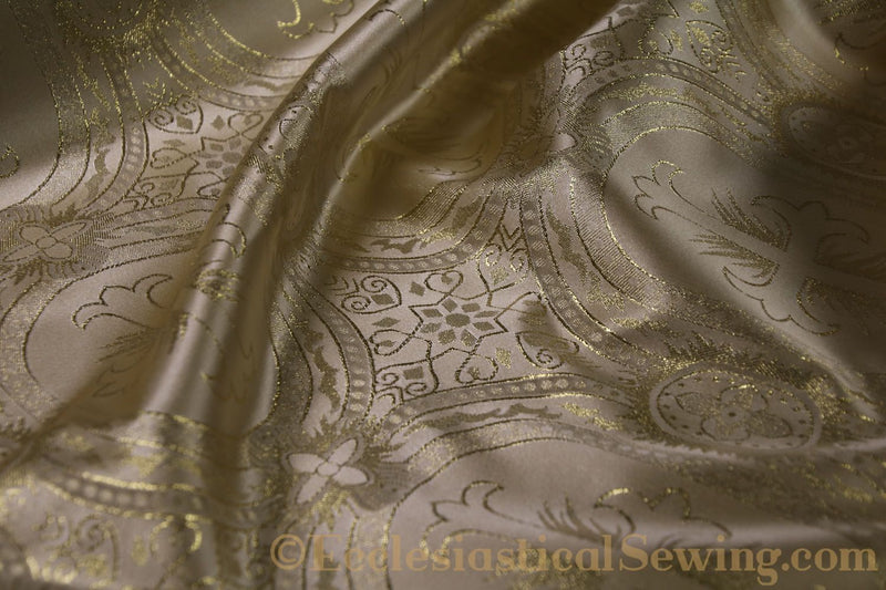 products/white-brocade-fabric-oval-22.jpg
