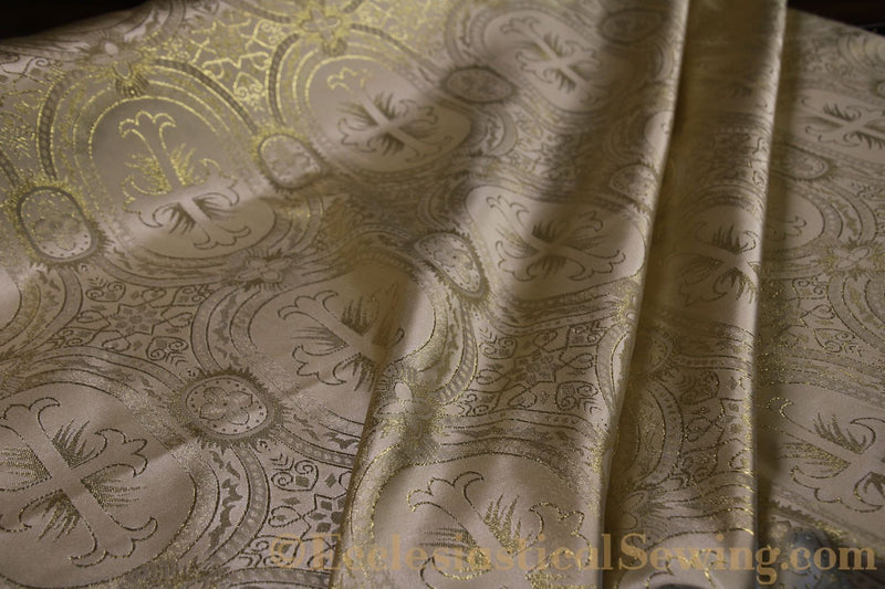 products/white-brocade-fabric-oval-23.jpg