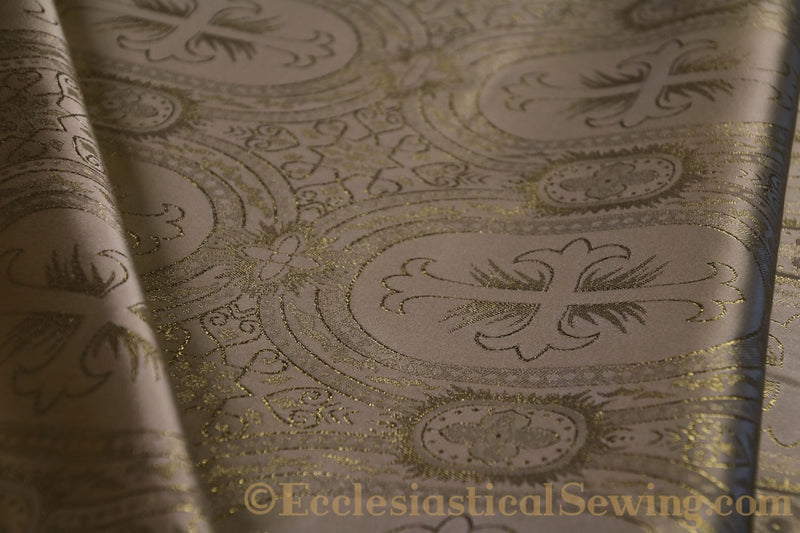 products/white-brocade-fabric-oval-26.jpg