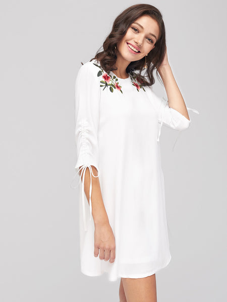 White Round Neck Flower Embroidery 3/4 Sleeve Mini Dress