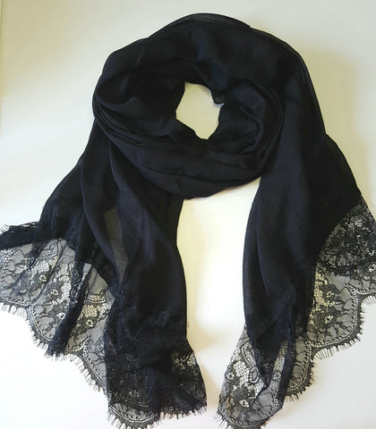 Lace Trim Lightweight Shawl