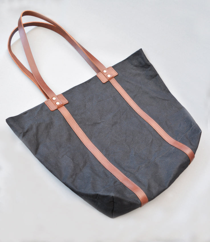 V&A collaboration tote bag in black waxed canvas