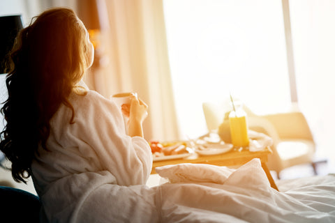 traveller wakes up well rested in hotel