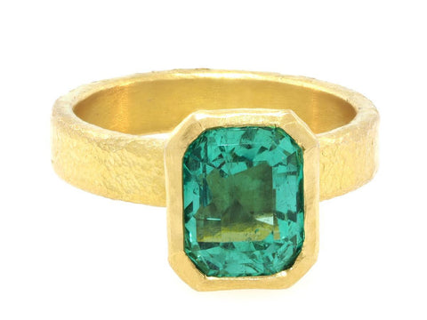2.93cts Colombian Emerald Bezel Yellow Gold Ring