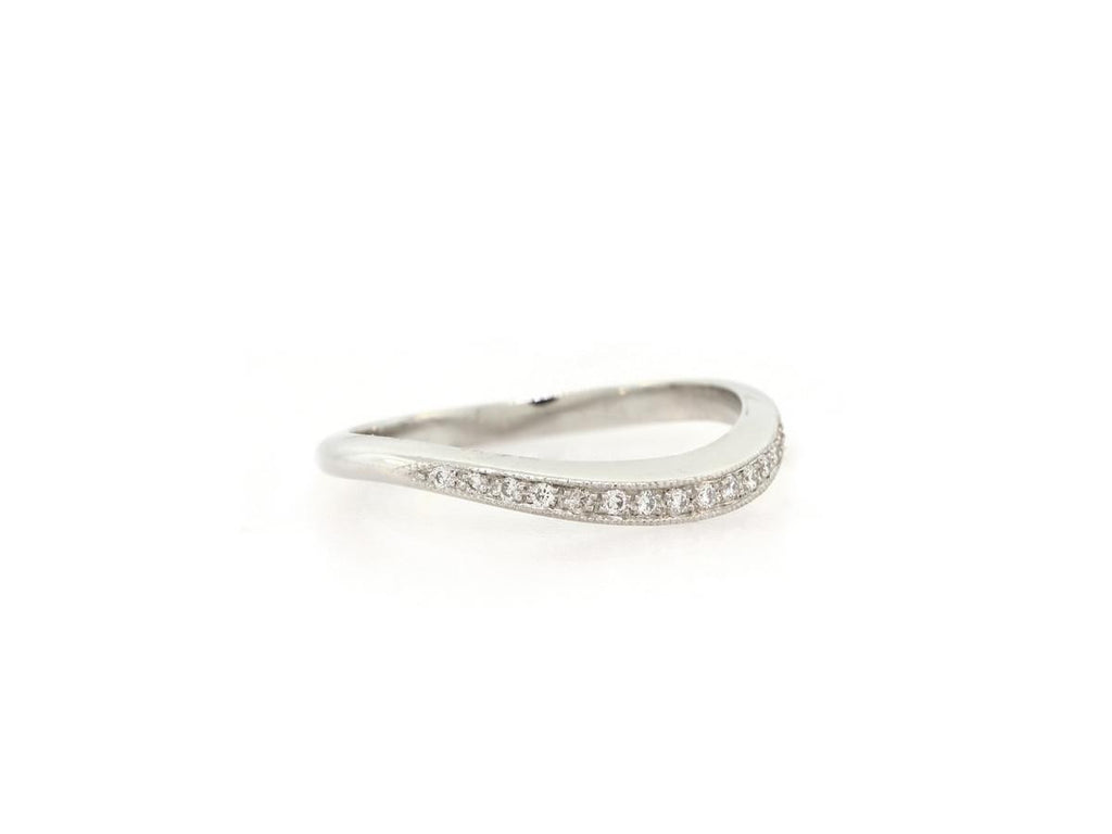 Diamond Pave Curved Band