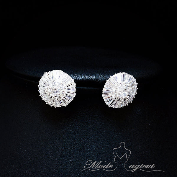 #20433 Elegant Round Sterling Silver Cubic Zirconia Stud Earrings