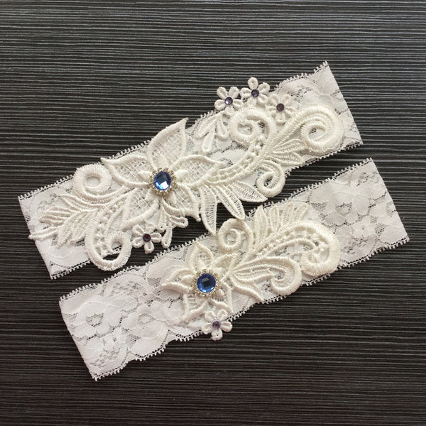 #07028173 Elegant Flower Ivory Lace Design Garter with Blue Rhinestones Embellishment
