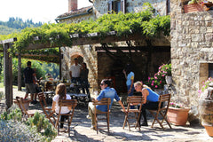 Alfresco dining at Podere Erica