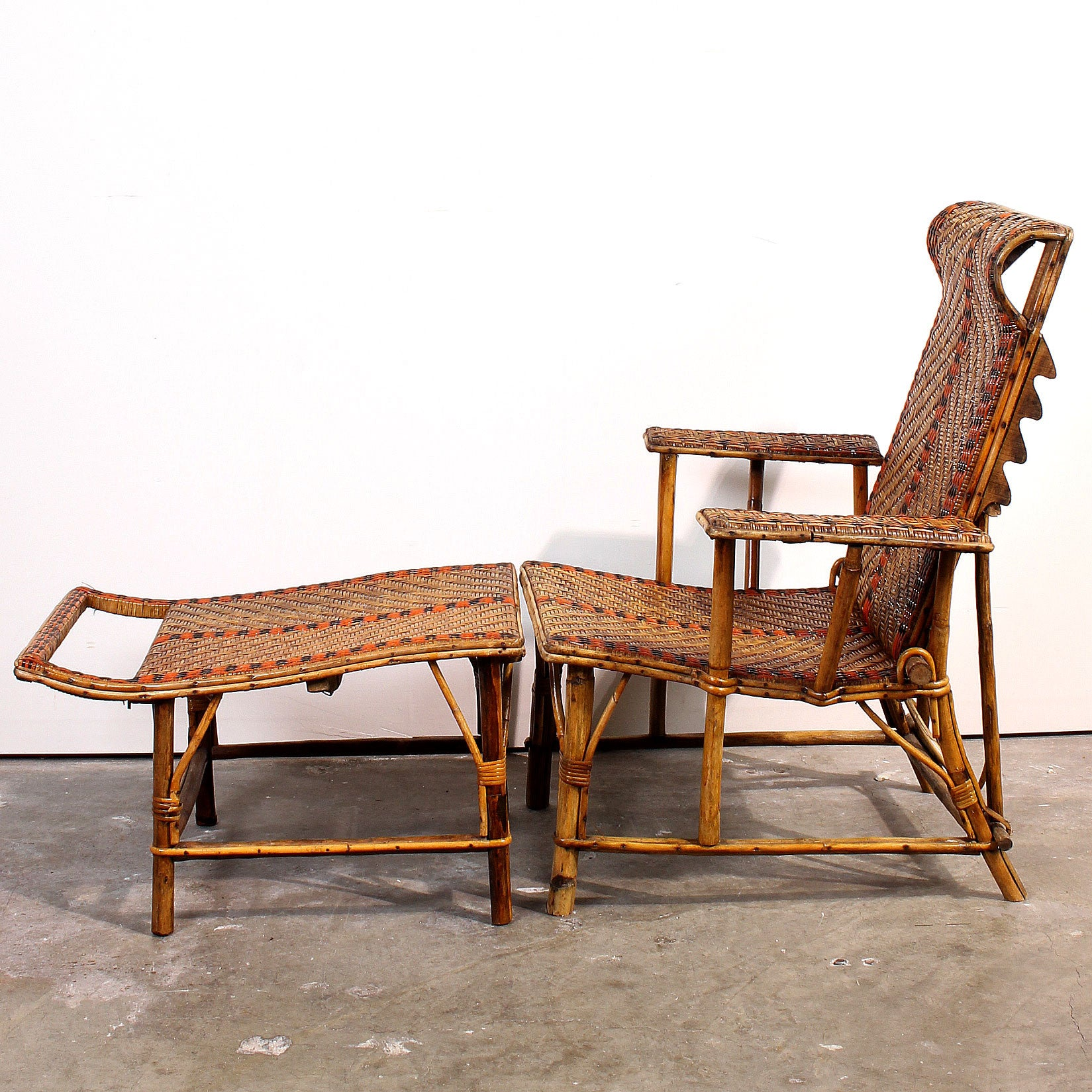 Vintage french bamboo rattan chaise lounge fatto a for 1930s chaise lounge