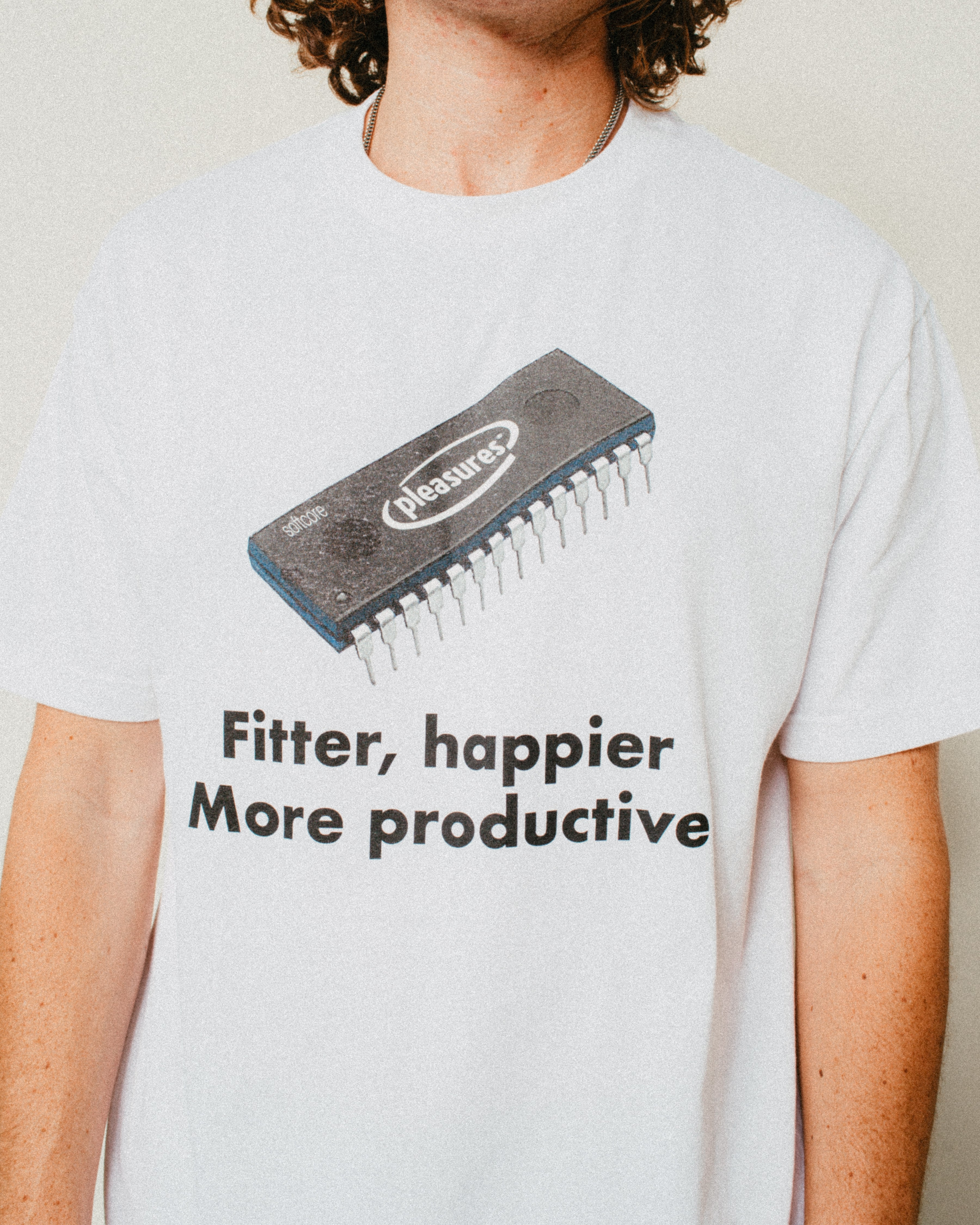 HAPPIER T-SHIRT