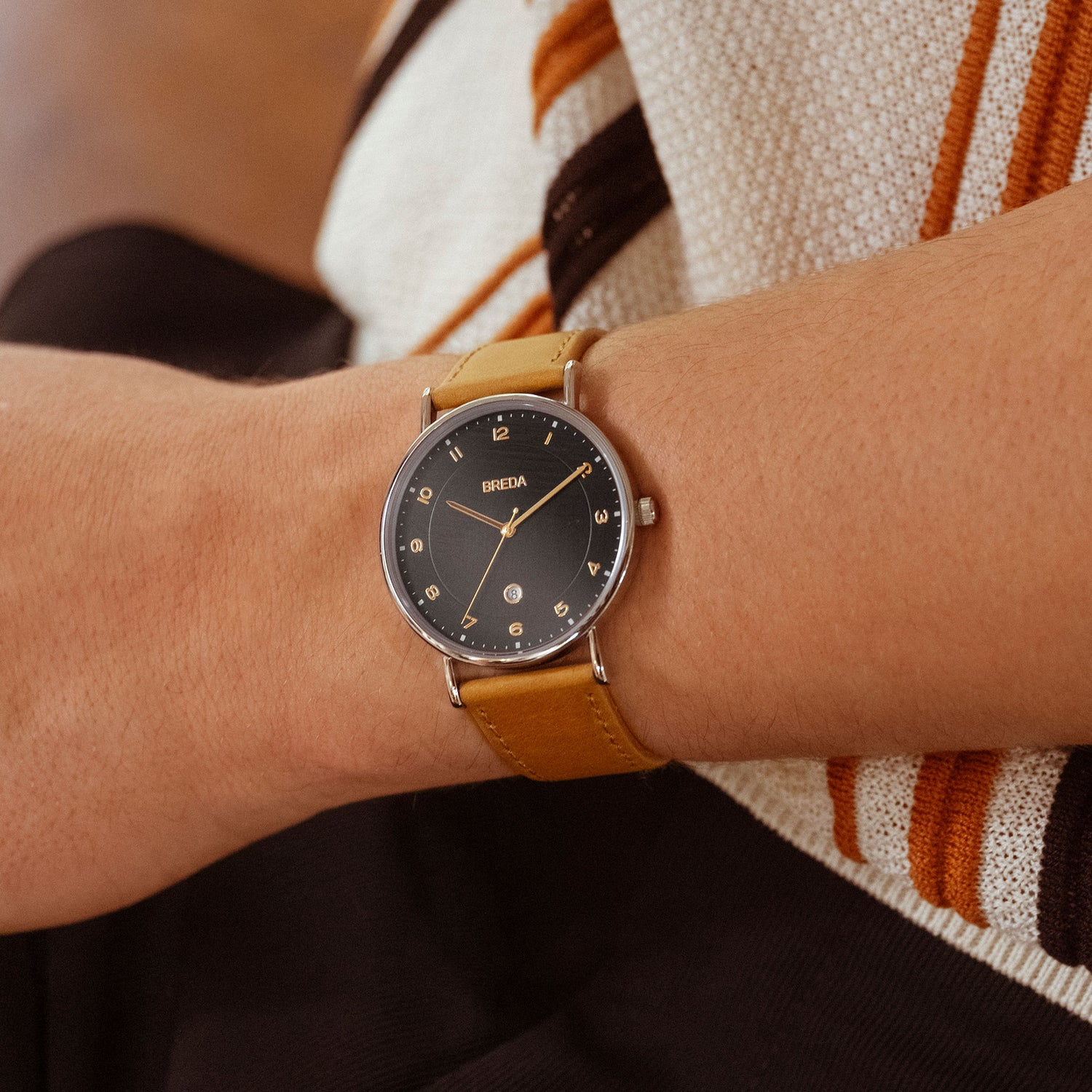 breda-pei-1739b-silver-brown-leather-watch-lifestyle