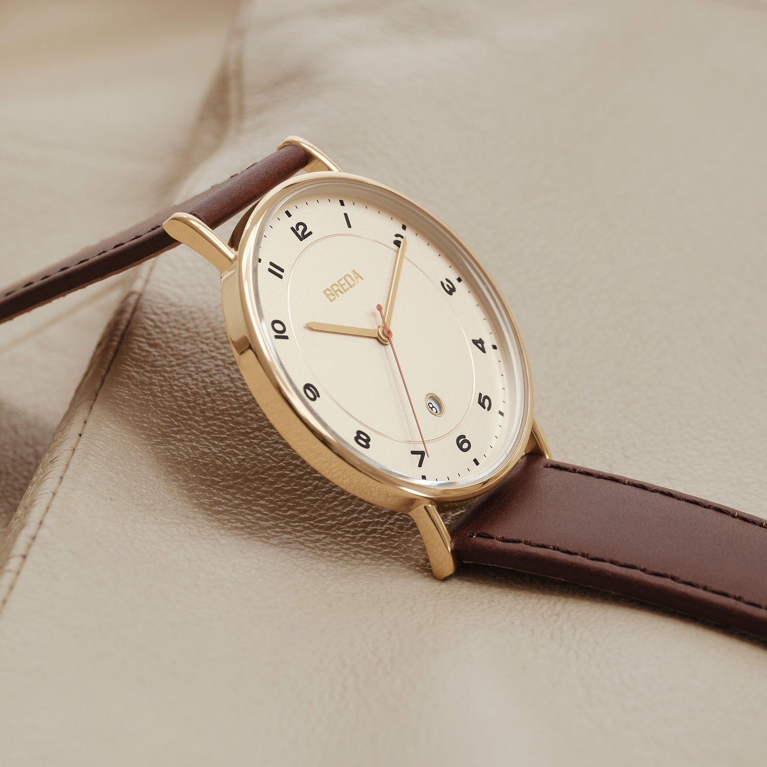 breda-pei-1739c-gold-brown-leather-watch-studio
