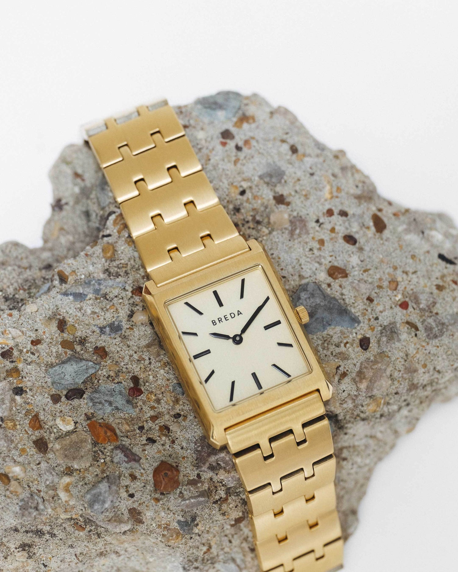 breda-virgil-1740b-gold-metal-bracelet-watch-studio