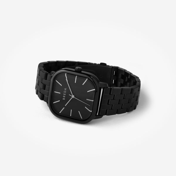 breda-visser-1737c-black-metal-bracelet-watch-angle