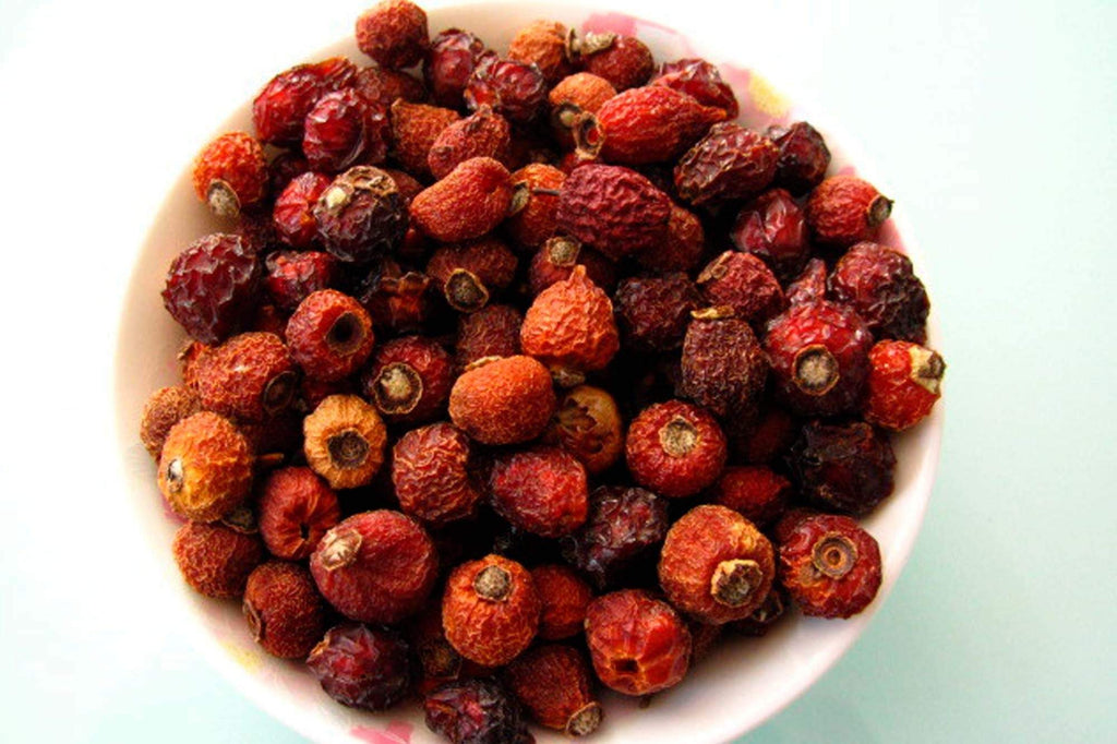 INGREDIENT HIGHLIGHT: ROSEHIPS AND THE VITAMIN C MYTH