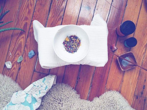 DE-STRESS: WHAT HAPPENED WHEN I DID AN HERBAL STEAM