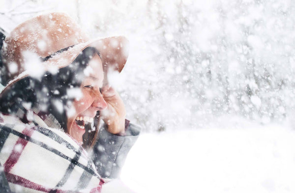5 NATURAL BEAUTY TIPS FOR GLOWING SKIN ALL WINTER LONG