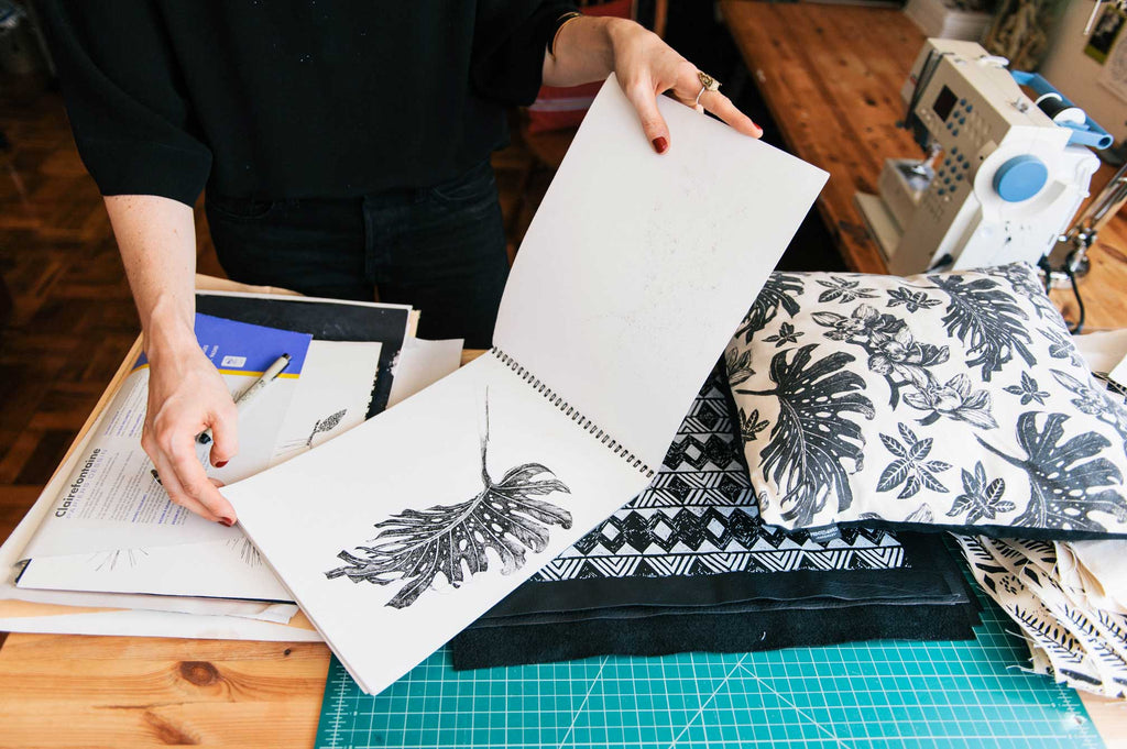Interview with Eva Calonder from Printed Wild about her custom illustrations for Apoterra's Herbal Detoxifying Steam box