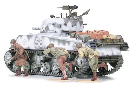 TAM35251-M4a3-Sherman-105mm-Howitzer