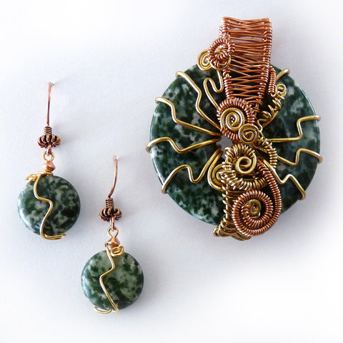 Green gemstone gold & copper handmade earrings