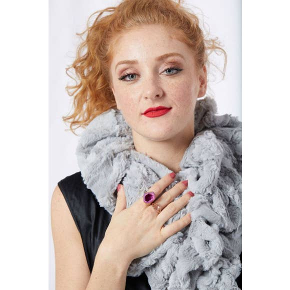 Model of the Silver Variant of the Ruffle Scarf from Tourance.