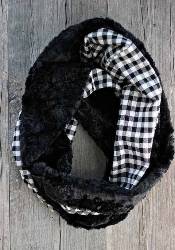 Black and white gingham and faux fur scarf