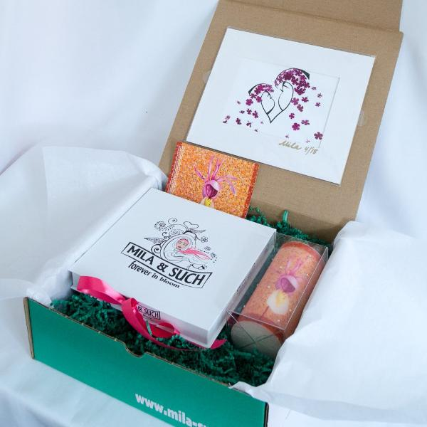 CALYPSO FANCY BOX Mother's Day Gift Set For Her Scarves, Candle, Print