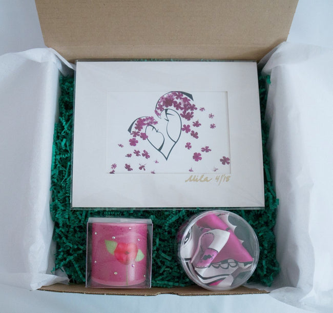 HUGS & KISSES LOVELY BOX Mother's Day Gift Set For Her Scarf, Candle, Print