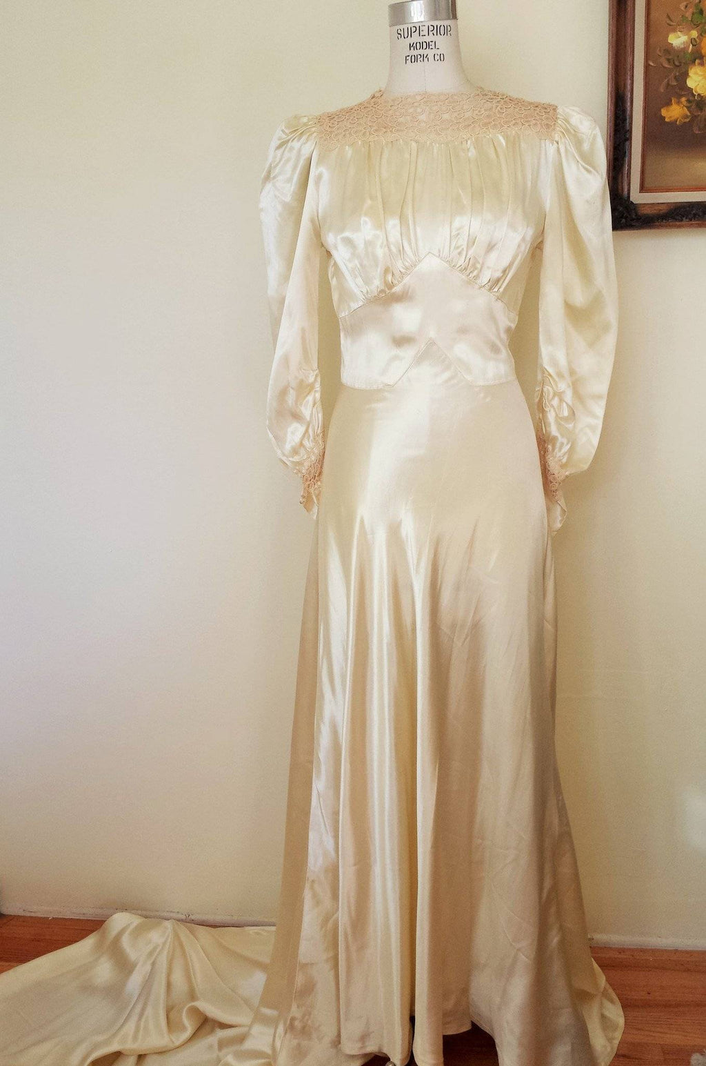 Vintage 1930s Champagne Satin Wedding Gown