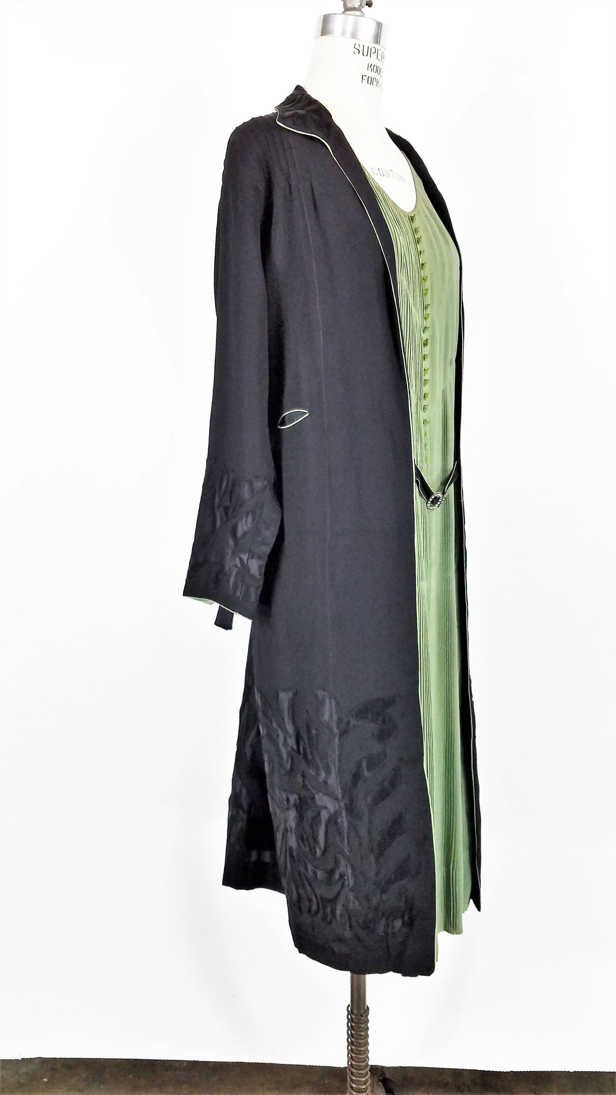 Vintage 1920s Black And Green Dress