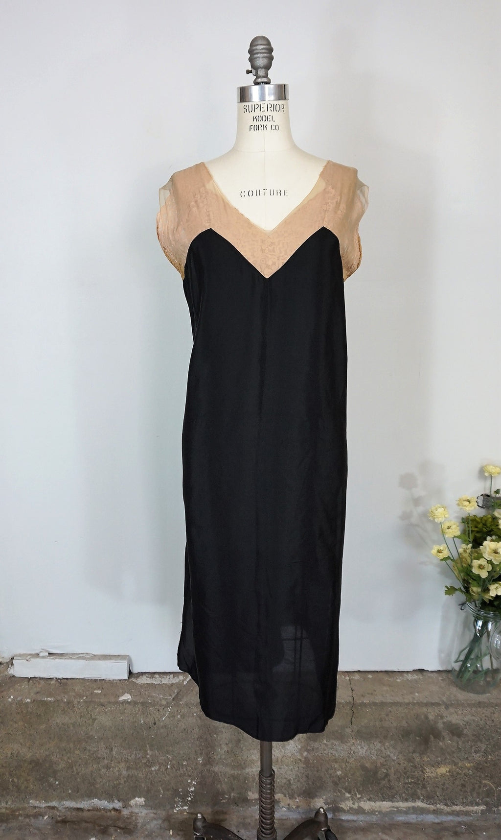 Vintage 1920s Black Silk Dress / Plus Size