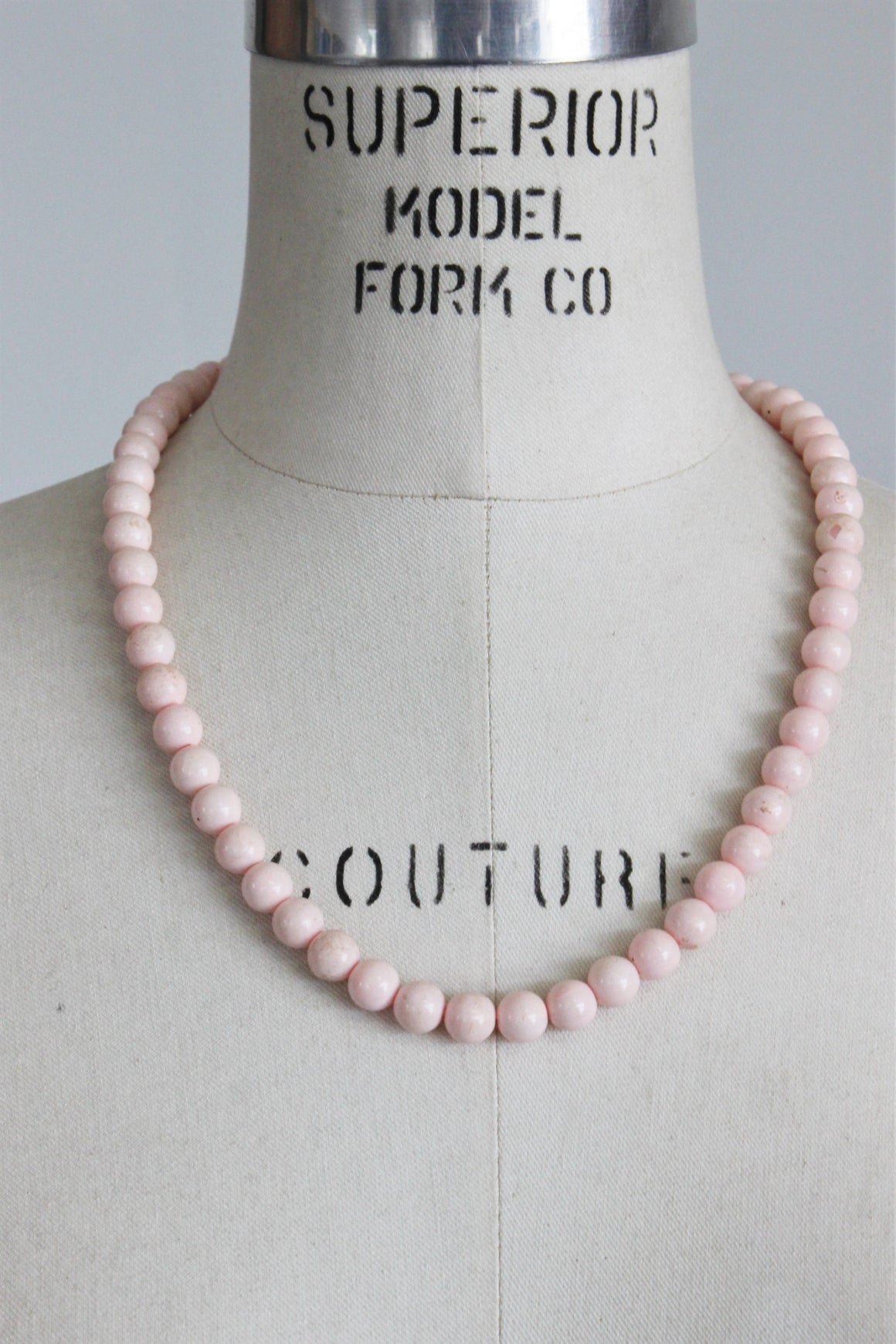 Vintage 1950s Pink Bead Necklace