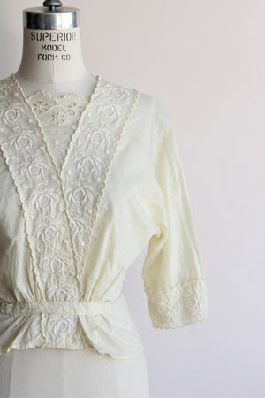 Vintage 1910s Edwardian Ivory Cotton Blouse With Embroidered Lace