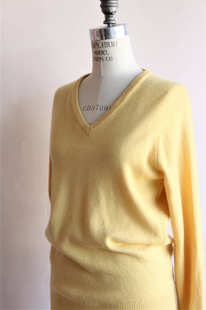 Vintage 1960s Yellow Cashmere Sweater by Ballantyne