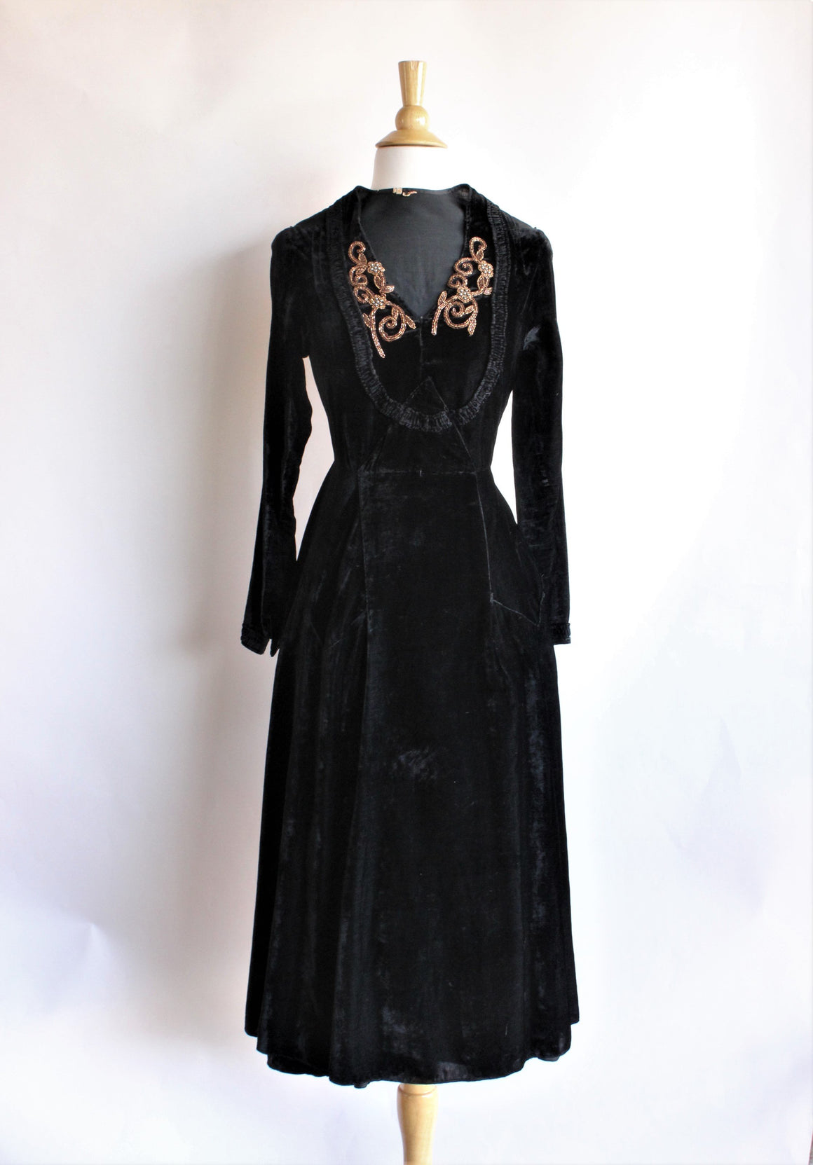 Vintage 1930s Black Silk Velvet Dress by Cash's
