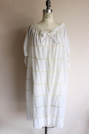 Vintage 1960s White Peignoir Robe And Nightgown Set