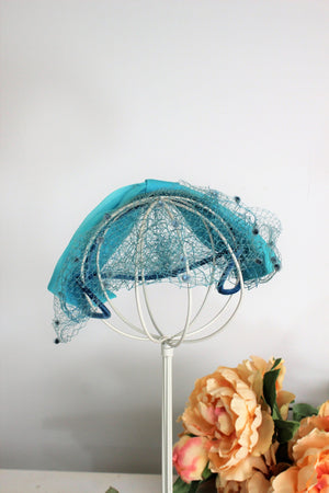 Vintage 1950s Teal Blue Hat with Birdcage Veil and Swiss Dot Tulle Trim