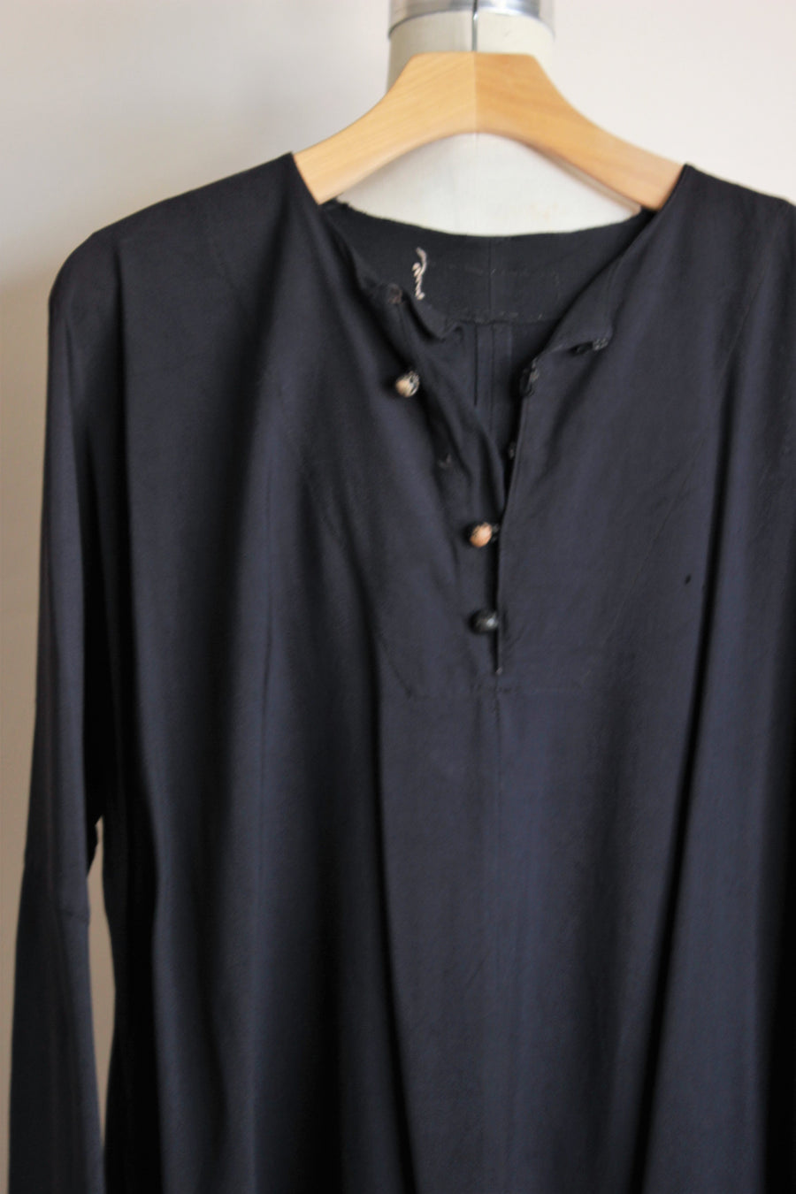 Vintage 1940s Men's Long Black Shirt / Hollywood Costume