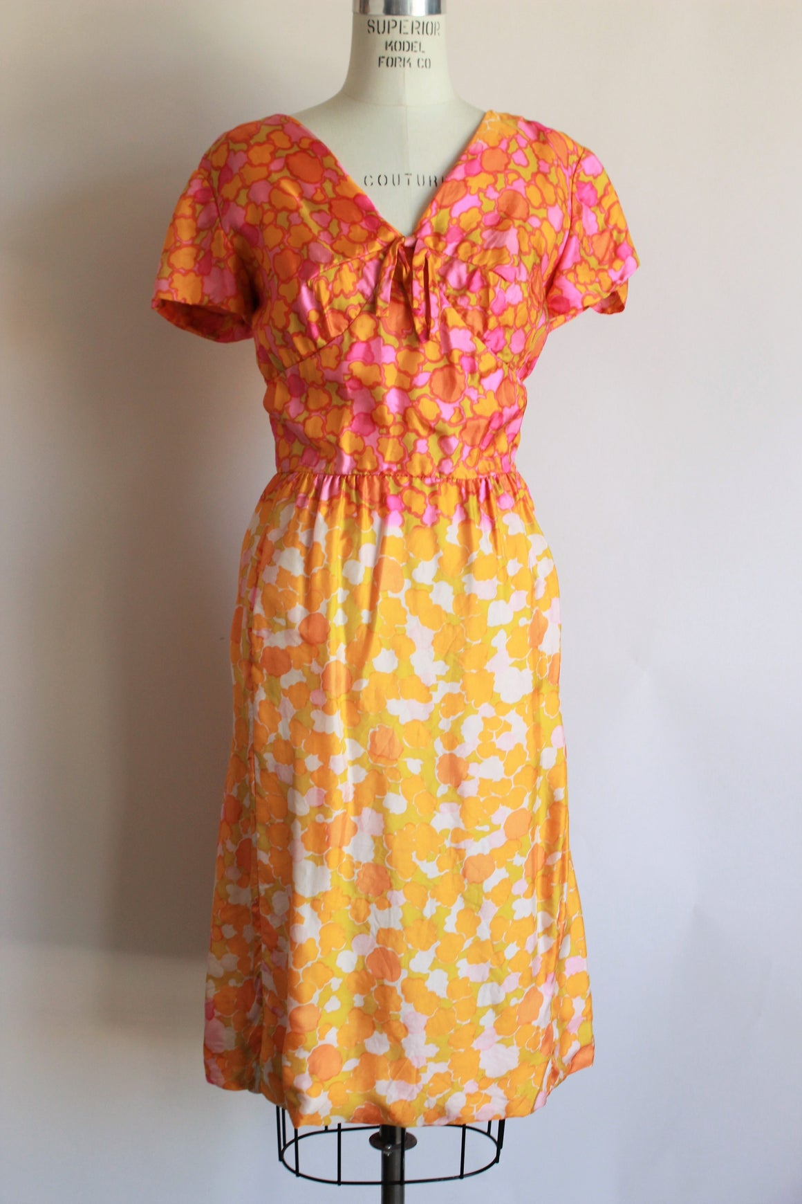 Vintage 1960s Silk Dress in Pink and Orange With a Bow