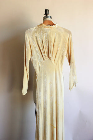 Vintage 1930's Ivory Velvet Wedding Gown