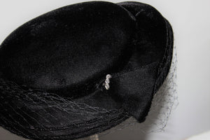Vintage 1950s Black Velvet Hat With Birdcage Veil