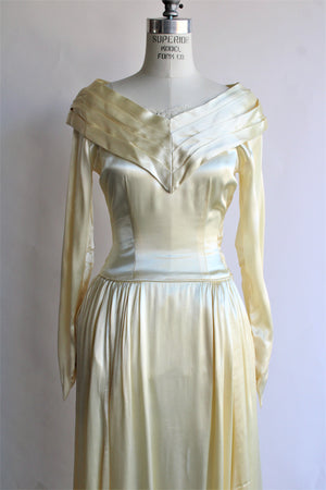 Vintage 1940s Ivory Satin Wedding Gown