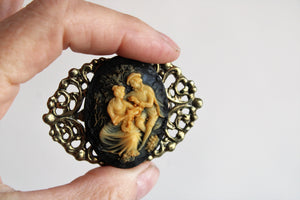 Vintage Filigree Cameo Brooch in Black and Ivory