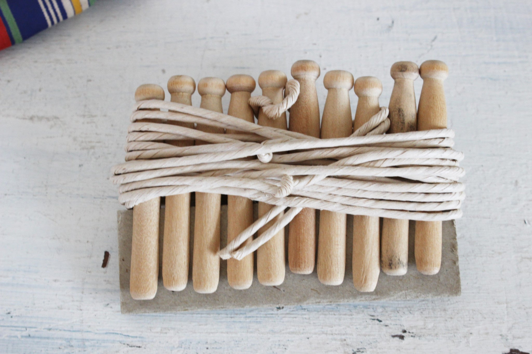 Vintage 1940s Travel Laundry Line / Wooden Clothes Pins