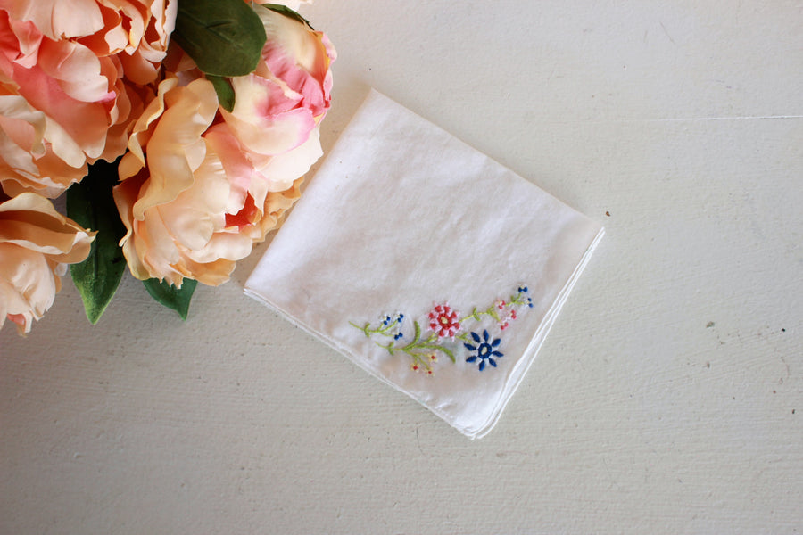 Vintage 1940s Embroidered Cotton Hanky