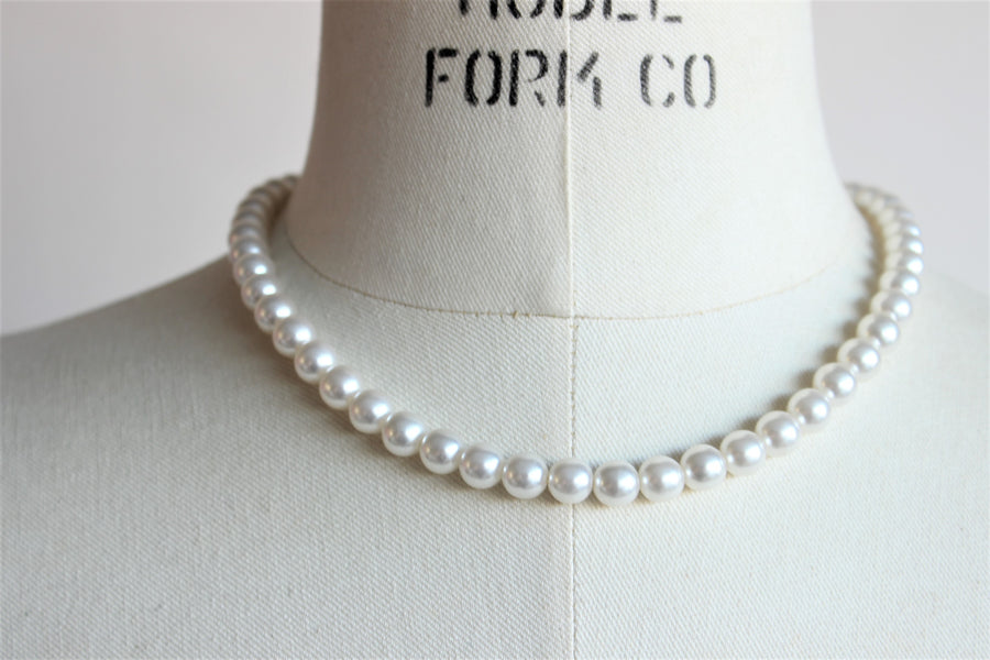 Vintage 1960s Faux Pearl Choker Necklace