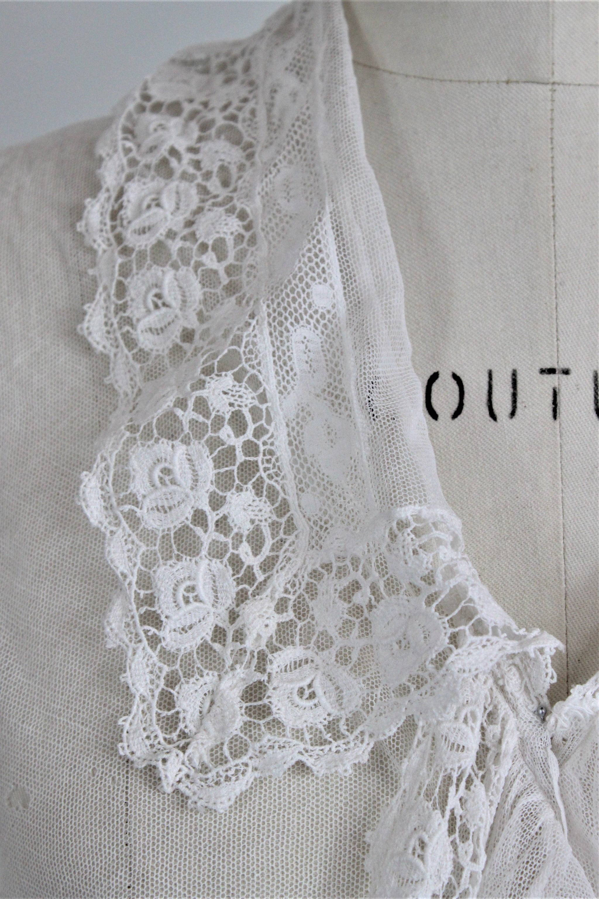 0785f305aaf59 Vintage Edwardian 1910s Blouse In White With Lace Ruffle Front ...